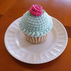 Cupcake Pincushion Cupcake Pin Cushion Crocheted by Crystal of Crochet Pincushion, Crochet Cake, Crochet Food, Crochet Crafts, Hand Crochet, Crochet Projects, Knit Crochet, Purple Cupcakes, Crochet Dolls