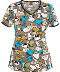 Cherokee Tooniforms Go Snoopy Print Scrub Top➡➡➡➡➡I would love to wear the printed top scrubs once I start working but I think with my position I may have to wear the SOLID COLOR ones.I will make my solid color scrubs just as girly as pos Vet Scrubs, Medical Scrubs, Veterinary Scrubs, Veterinary Technician, Pediatric Scrubs, Healthcare Uniforms, Disney Scrubs, Stylish Scrubs, Scrubs Uniform