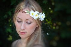 Daisy Bell  Natural crown of daisies by HeadCaseByG on Etsy