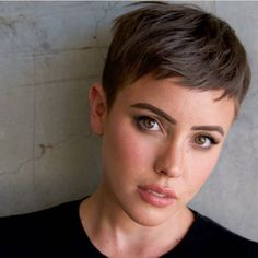 Short Pixie Haircuts for Pretty Look. Pixie hairstyles are the most popular options women try.Pixie hair is suitable for both young and old ladies. Short Pixie Haircuts, Short Hairstyles For Women, Latest Hairstyles, Pixie Haircut For Round Faces, Hairstyle Short, Hairstyles Haircuts, Short Cropped Hairstyles, Pixie Cut Hairstyles, Short Shaved Hairstyles