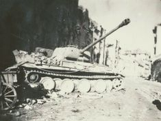Hungary ,Budapest 1945 Battle Tank, Budapest Hungary, Panthers, World War Two, Historical Photos, Warfare, Tigers, Military Vehicles, Ww2