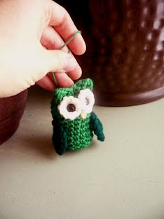 Owl ornament free crochet pattern-you have to look for the link for this one, but it's there.