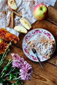 An apple a day keeps the doctor away, who gave the apple to whom, who took the first bite, the apple never falls far from the tree, she's apples and so many other stories. Apple is maybe the … Crumble Pie, First Bite, Apple Pie, Camembert Cheese, Dairy, Fruit, Desserts, Apples, Food