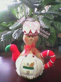Christmas Deco, Christmas Ornaments, Tea Pots, Diy And Crafts, Dolls, Holiday Decor, Halloween, Mini, Hats