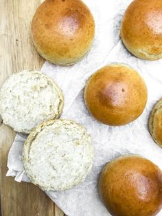 Hjemmebagte boller: Hurtige eftermiddagsboller – Christinas Køkken Hamburger, Brunch, Rolls, Pudding, Bread, Dessert, Baking, Food, Mornings