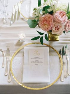Modern gold and blush wedding table decor: http://www.stylemepretty.com/2017/01/06/indoor-garden-party-wedding/ Photography: Laura Gordon - http://lauragordonphotography.com/