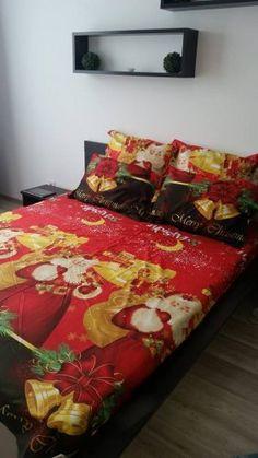 Lenjeria cu Mos Craciun  de la Cumparamisim ! Comforters, Blanket, Bed, Home, Creature Comforts, Quilts, Stream Bed, Ad Home, Blankets