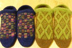 Bulky, machine knitted, fair isle, felted slipper. OMG!! Yay!  Ravelry: Honbun's Punchcard felted slippers