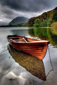 Autumn on Buttermere in the English Lake District - Phil Jones, UK photography {row boat beneath stormy clouds} Lake District, Old Boats, Small Boats, Beautiful World, Beautiful Places, Beautiful Pictures, Landscape Photography, Nature Photography, Reflection Photography