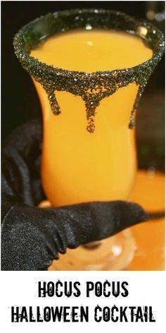 Pocus Halloween Cocktail Hello my pretties! I mixed up a simple Hocus Pocus Halloween Cocktail for you!Hello my pretties! I mixed up a simple Hocus Pocus Halloween Cocktail for you! Halloween Desserts, Halloween Party Drinks, Postres Halloween, Holiday Drinks, Fun Drinks, Halloween Treats, Yummy Drinks, Halloween Alcoholic Drinks, Beverages