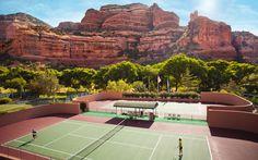 網球場的路上。to the tennis court: 網球場與大岩壁 - Tennis courts and the red rock, Sedona, Arizona Tennis News, Sport Tennis, Play Tennis, Tennis Clubs, Tennis Players, Indoor Tennis, Tennis Workout, Vintage Tennis, Racquet Sports
