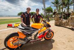 Repsol Honda se presenta en Bali junto a Márquez, Pedrosa y la RC213V 2015