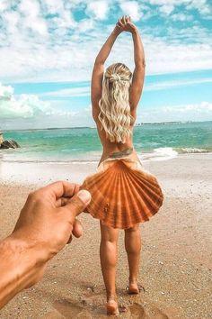 15+ Fun Beach Photo Ideas You Must Take    Bikini Cute Beach Outfits
