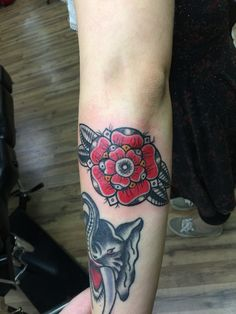 Traditional flower.  Artist: Chuck Schmidt The parlor tattooing  2024 Washington ace.  Saint Joseph MI 269-281-0367 FB: the parlor tattooing