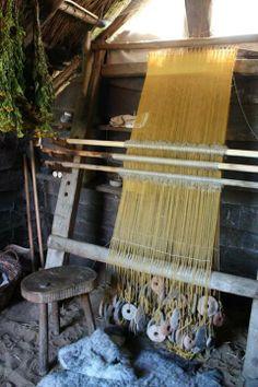 ww loom at Ribe Viking Center Tablet Weaving, Loom Weaving, Danish Vikings, Types Of Weaving, Medieval World, Viking Age, Iron Age, Tear, Textiles
