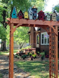 Bird House Plans 676736281484027479 - Birdhouses Source by harrouepat Garden Crafts, Garden Projects, Garden Art, Amusement Enfants, Birdhouse Designs, Birdhouse Ideas, Birdhouses, Sacred Garden, Outdoor Projects