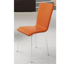 Silla en polipiel naranja con patas en brillo.
