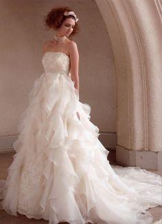 ミグリナフィナート_kj(150409)/Mode Marie 本店のエンパイアライン/レンタルウエディングドレス「結婚準備室」 Wedding Dress Styles, Wedding Gowns, Bridal Gowns, Special Dresses, Dream Dress, Dream Wedding, Wedding Things, Beautiful Dresses, One Shoulder Wedding Dress