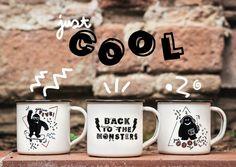 Nuestras tazas de acero esmaltado RETROPOT con diseños de PIÑATA PUM www.retropot.es Tazas de metal, personalizadas y colección propia. Tazas de acero esmaltado RETROPOT retro y vintage