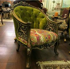 Georgian Furniture, Royal Furniture, Furniture Near Me, Classic Furniture, Vintage Furniture, Furniture Design, Shabby Chic Cabin, Luxury Furniture Stores, Victorian Sofa