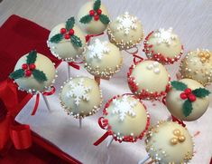 Cheesecake, Baking, Christmas Ornaments, Holiday Decor, Cupcakes, Pizza, Food, Cupcake Cakes, Cheesecakes