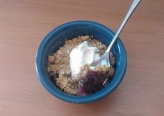 clean eating dessert recipe for berry crisp