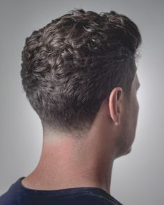 curly taper haircut for men Thick Curly Hair, Curly Hair Cuts, Short Hair Cuts, Curly Hair Styles, Curly Hair Taper, Male Haircuts Curly, Haircuts For Men, Mens Hairstyles Fade, Hairstyles Haircuts