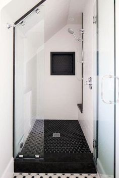 Below are the Best Ideas Black Shower Tiles Design. This article about Best Ideas Black Shower Tiles Design was posted … Tile Shower Niche, Shower Floor Tile, Shower Tile Designs, Walk In Shower Designs, Bathroom Designs, Attic Bathroom, Bathroom Layout, Small Bathroom, Bathroom Ideas