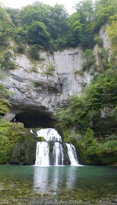 Source du Lison et sa cascade (Franche-Comté)