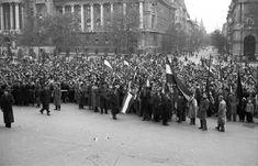 Kossuth Lajos tér az Alkotmány utca felé nézve. Utca, Budapest, Revolution, Dolores Park, Travel, Beautiful, Viajes, Revolutions, Destinations