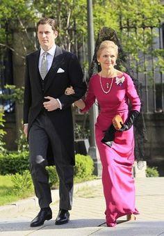 Mantilla y tocados madrina - trajes madrina boda*
