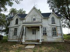 Folk victorian on pinterest houses farmhouse and for Gothic revival farmhouse