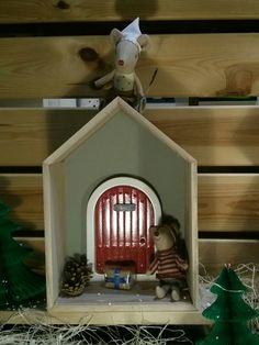 Escaparate de Navidad en Lycka. Ratoncito Pérez // Christmas window screen. Tooth fairy. #navidad #xmas #christmas #decoration #escaparate www.lycka.es