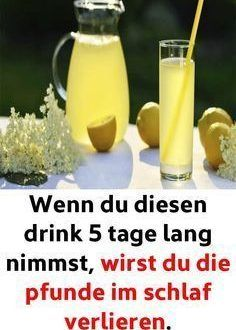 Wenn du diesen drink 5 tage lang nimmst, wirst du die pfunde im schlaf verlieren… If you take this drink for 5 days, you will lose the pounds in your sleep. Health And Wellness, Health Tips, Health Fitness, Detox Drinks, Healthy Drinks, Law Carb, Tips Fitness, Coconut Health Benefits, Lose Weight