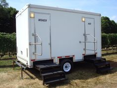 14u0027 Portable Bathroom Trailer For Up To 400 Guests! Aparos Little John, Inc