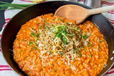 Ricetta passo passo con foto per fare il risotto al pomodoro perfetto