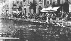 Men taking part in the Winter Swimming Navigli competition Cimento #milano #storia #navigli