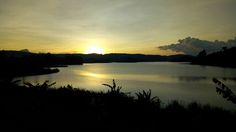 Nature is the best thing makes your mind relax and refresh. After a long journey enjoy the beautiful sunset with #LakeBunyonyiRockResort. http://lakebunyonyirockresort.net/
