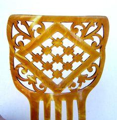 Art Deco amber celluloid Spanish mantilla hair por ElrondsEmporium