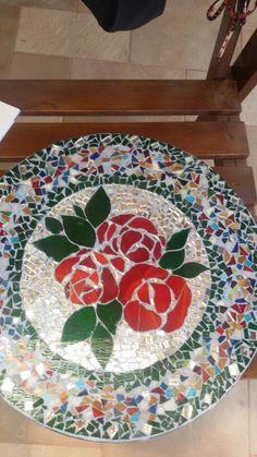 פסיפס Mosaic Tray, Mosaic Tile Art, Mosaic Crafts, Mosaic Projects, Mosaic Glass, Mosaic Designs, Mosaic Patterns, Mosaic Stepping Stones, Mosaic Madness