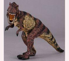 La marca collecta nos presenta este Tiranosaurio Rex de tamaño pequeño muy real y feroz ! Le hemos hecho la foto mientras perseguía a un suculento camptosaurus para su merienda !   Alto: 11 cm Largo: 13 cm Edad: a partir de 3 años Marca: Collecta Ref. 30282 Precio: 8.00 € IVA incluido