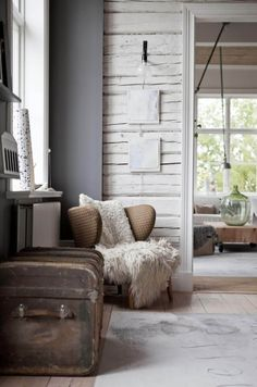 Designer Ylva Skarp and her family's home, an old school house in Dalarna, Sweden. Photo by Helena Blom. Style At Home, Estilo Interior, Deco Boheme, Living Spaces, Living Room, Piece A Vivre, Scandi Style, Home And Deco, Wabi Sabi