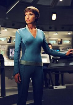 "Women of ""Star Trek - Enterprise "" : T'Pol as played by Jolene Blalock. Star Trek 1, Star Trek Series, Star Trek Voyager, Star Trek Enterprise Ship, Star Trek Starships, Tv Series, Nave Enterprise, Jolene Blalock, Star Trek"