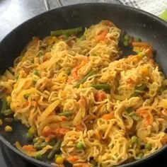 How many Maggi Recipe fans here? Maggi is a life saver for most of us and due to its popularity, there are a lot of different versions of how to make Maggi. Healthy Crockpot Recipes, Spicy Recipes, Healthy Breakfast Recipes, Lunch Recipes, Cooking Recipes, Indian Food Recipes Easy, Easy Indian Snacks, Vegetarian Recipes Videos, Easy Recipes