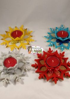 Portacandela Fiocco di Neve in feltro e sughero, ideale per PE feste di Natale Christmas Is Coming, Felt Christmas, Christmas Crafts, Diwali Diya, Shots Ideas, Church Crafts, Air Dry Clay, Corporate Gifts, Xmas Decorations