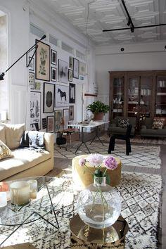 Inredningsbloggen Piazzan Foto : Pernilla.N Artilleriet Studio Lets Stay Home, Interior Decorating, Interior Design, Eclectic Decor, Living Room Inspiration, Decoration, Interior And Exterior, Home Accessories, Living Spaces