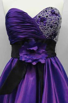 خياطة فستان سواريه..الأمر لم يعد صعبا فقط ادخلي!! Abed Mahfouz, Dress Stand, All Things Purple, Pattern Drafting, Evening Gowns, Lilac, Bodice, Sewing Patterns, Bridesmaid Dresses