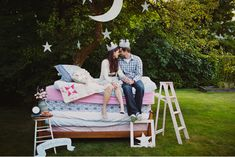 Love like a child! 30 Super Cute Engagement Photos!