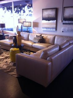 Lounge - Bay Leather Replubic $6,000