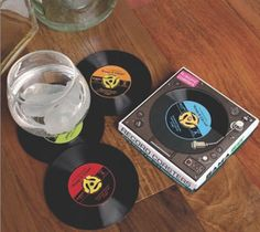 Enjoy this set of four #silicone #record #coasters every time you're drinking your favorite hit beverage. - http://thegadgetflow.com/portfolio/record-coaster-set-12/